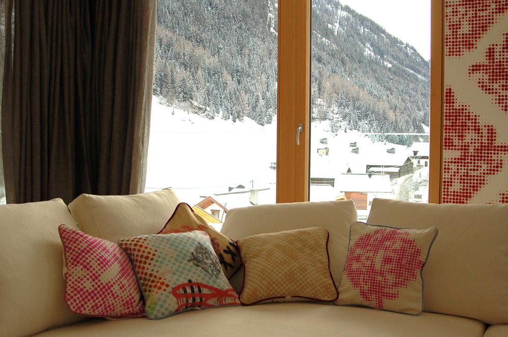 isch_sofa